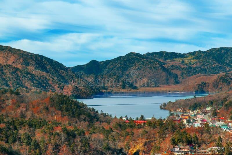 Sjö Chuzenji på den Nikko nationalparken i Japan arkivfoto