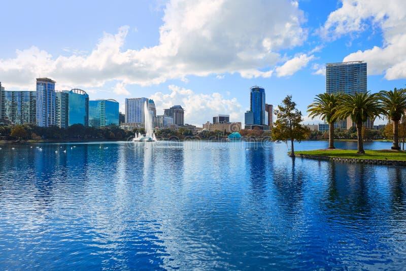 Sjö Eola Florida USA för Orlando horisontfom royaltyfri bild