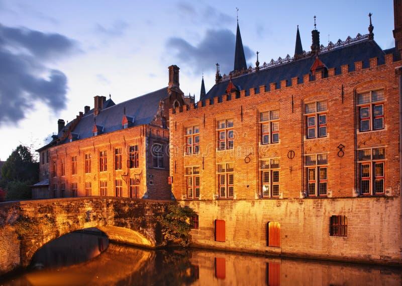 Sjö i Bruges flanders _ arkivfoton
