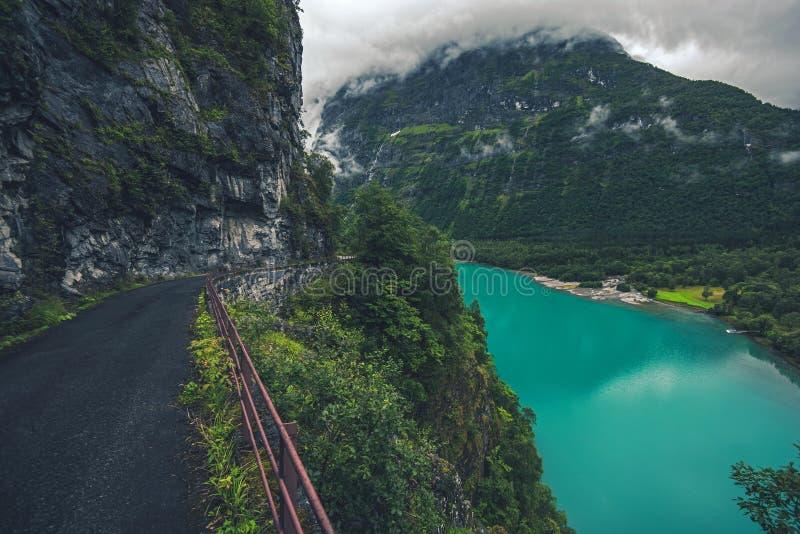 Is- sjö i Norge royaltyfri fotografi
