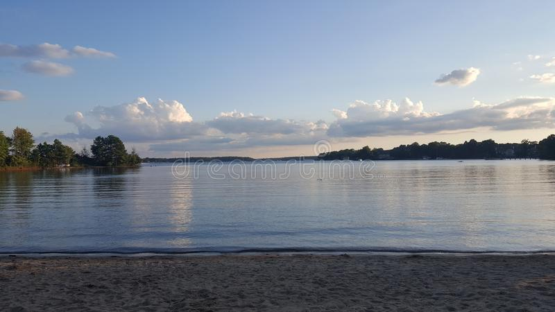 Sjö Norman Ramsey Creek Beach royaltyfri fotografi