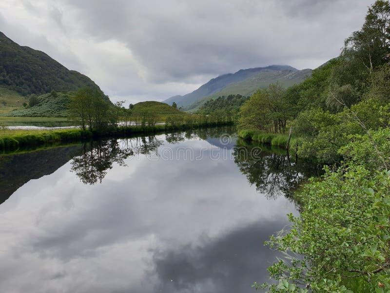 Sjö och montering, natur royaltyfria foton