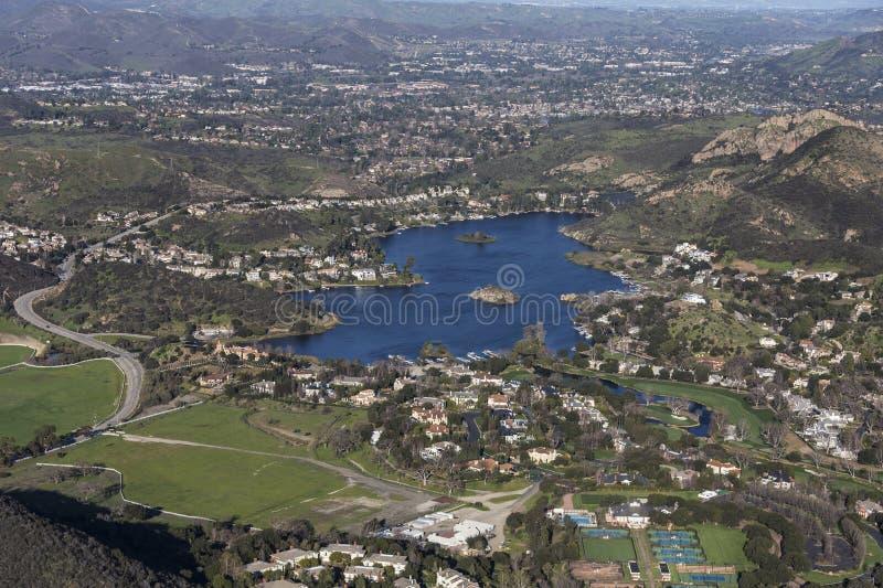 Sjö Sherwood och Thousand Oaks Kalifornien fotografering för bildbyråer