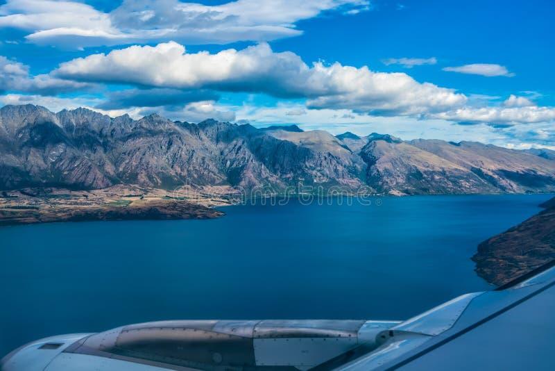 Sjö Wakatipu, Nya Zeeland - Januari 16, 2018: På sista inställning royaltyfria foton