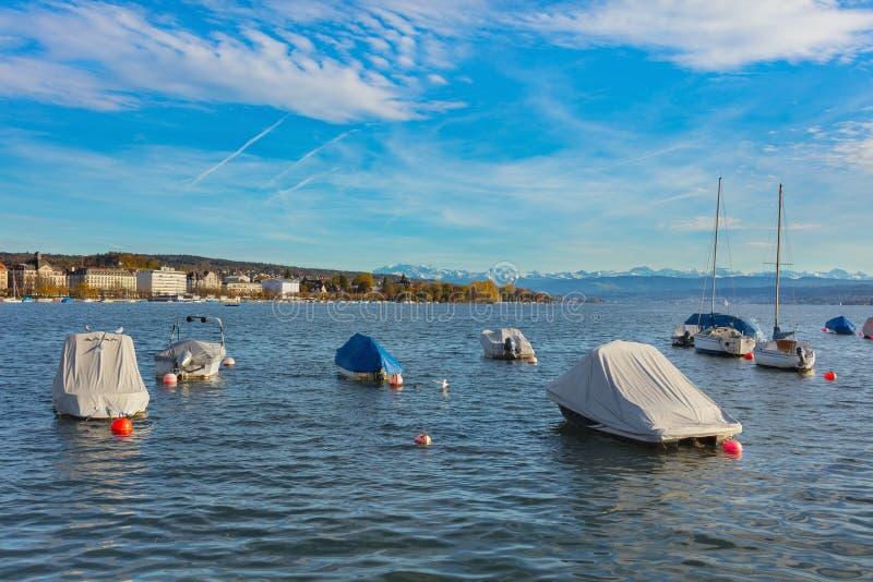 Sj? Zurich i Schweiz p? slutet av Oktober arkivbild