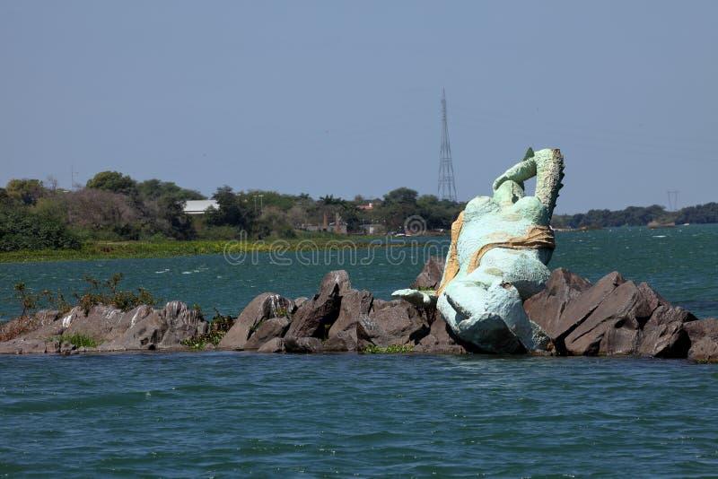 Sjöjungfru och horisont av Petrolina och Juazeiro i Brasilien arkivfoto