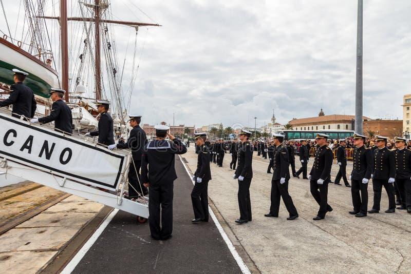 Sjökadetter av skeppet Juan Sebastian de Elcano arkivbilder