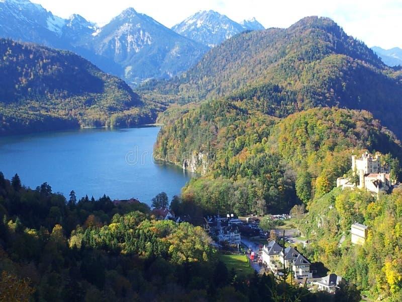 Sjön av den Neuschwanstein slotten arkivfoton