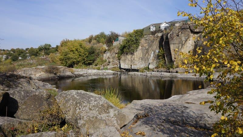 Sjön i den Boguslav staden parkerar royaltyfria bilder