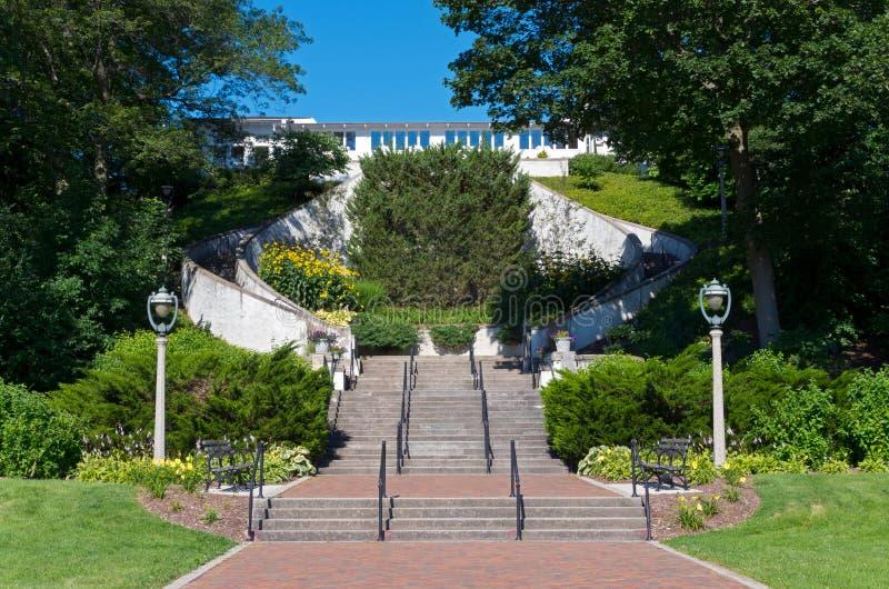 Sjön parkerar den storslagna trappuppgången i Milwaukee royaltyfria bilder