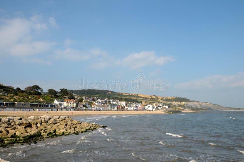 Sjösida på Lyme Regis arkivbild