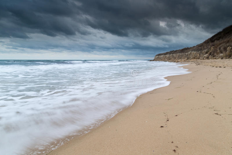 Sjöväg på den Black Sea kusten royaltyfri foto