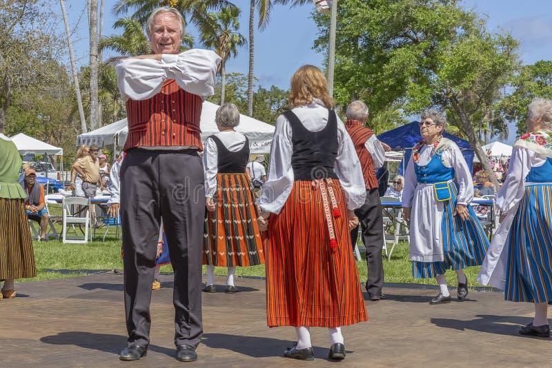 Sjövärde, Florida, festival för midnatt sol för USA mars som 3, 2019 firar finlandssvensk kultur arkivbild