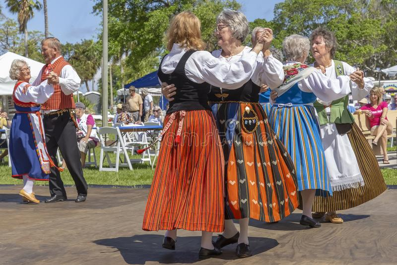 Sjövärde, Florida, festival för midnatt sol för USA mars som 3, 2019 firar finlandssvensk kultur royaltyfri bild