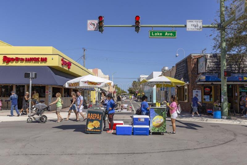 Sjövärde, Florida, USA Fab 23-24, 25Th årliga gata som 2019 målar festen fotografering för bildbyråer