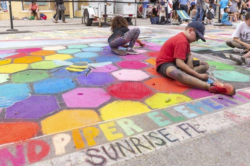 Sjövärde, Florida, USA Fab 23-24, 25Th årliga gata som 2019 målar festen royaltyfri bild