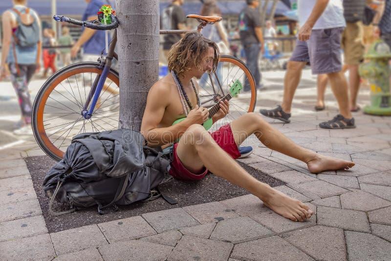 Sjövärde, Florida, USA Fab 23-24, 25Th årliga gata som 2019 målar festival royaltyfri foto