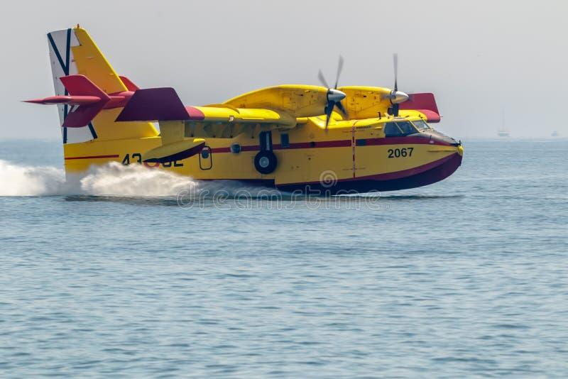 Sj?flygplan Canadair CL-215 fotografering för bildbyråer