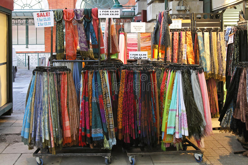 Sjalar och scarves fotografering för bildbyråer