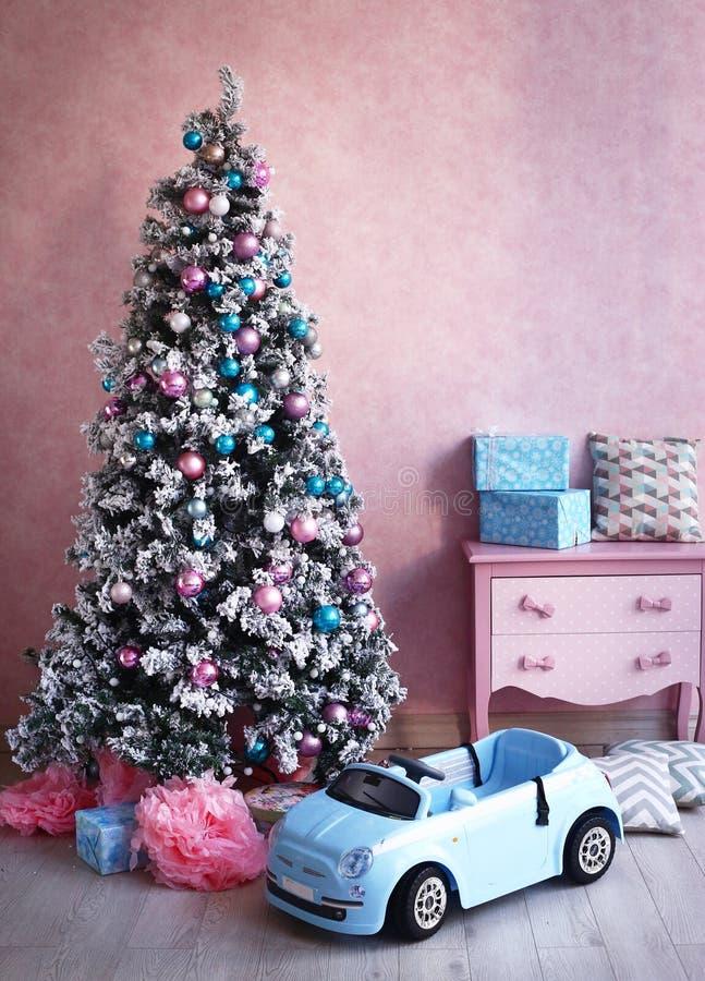 Sjofele Kerstmisdecoratie van de kuiken retro ruimte stock fotografie