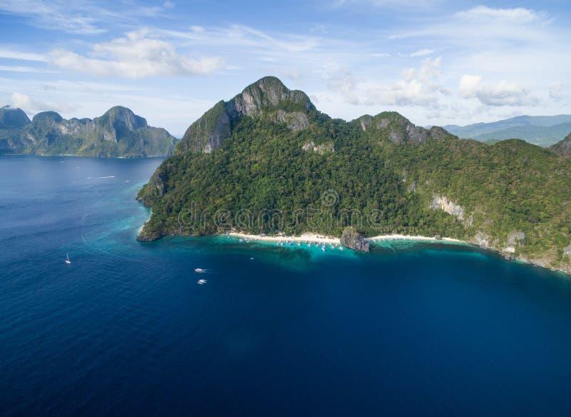 Sju kommandon strand och Papayastrand i El Nido, Palawan, Filippinerna Turnera a-rutten och förlägga royaltyfri bild