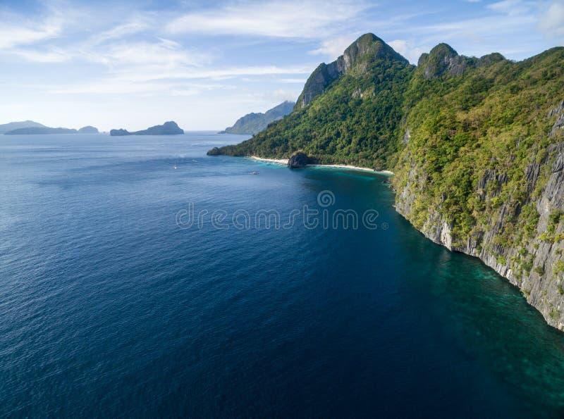 Sju kommandon strand och Papayastrand i El Nido, Palawan, Filippinerna Turnera a-rutten och förlägga arkivfoto