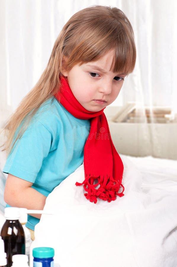 sjuk flicka royaltyfri bild