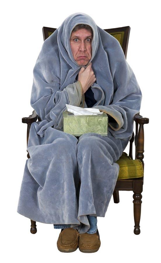 Sjuk man med hosta, förkylning, isolerad influensa royaltyfri bild
