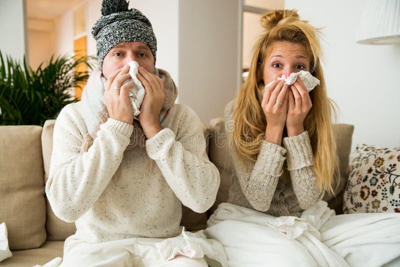 Sjuk parlåsförkylning arkivbild