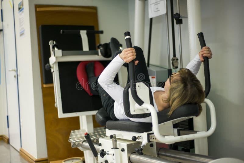 Sjukgymnastik övar vård- aktiv utbildning 4 fotografering för bildbyråer