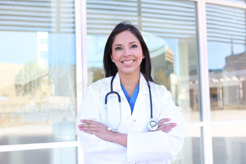 sjukhussjuksköterskakvinna royaltyfri bild