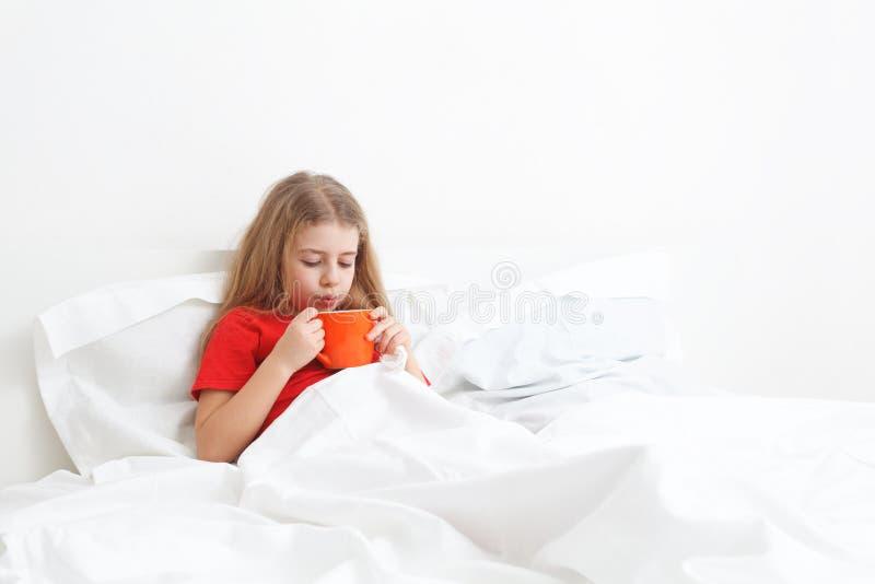 sjukt barn arkivbilder
