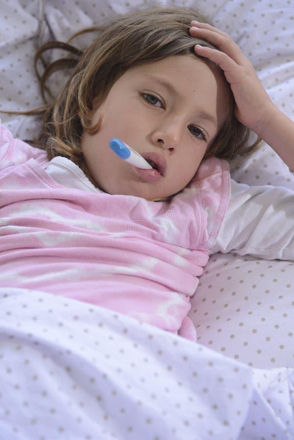 Sjukt hemmastatt för barn royaltyfri foto