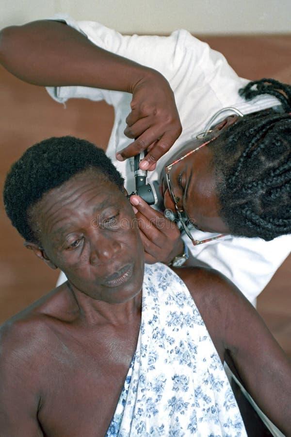 Sjukvård i inre av Surinam royaltyfri fotografi