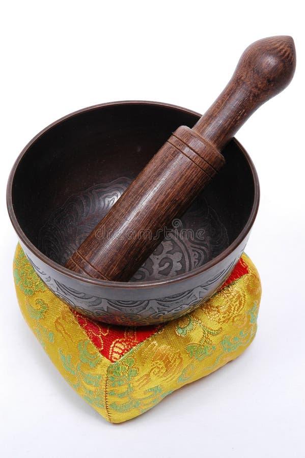 Download Sjunga För Bunke Som är Tibetant Arkivfoto - Bild av trä, metall: 983306