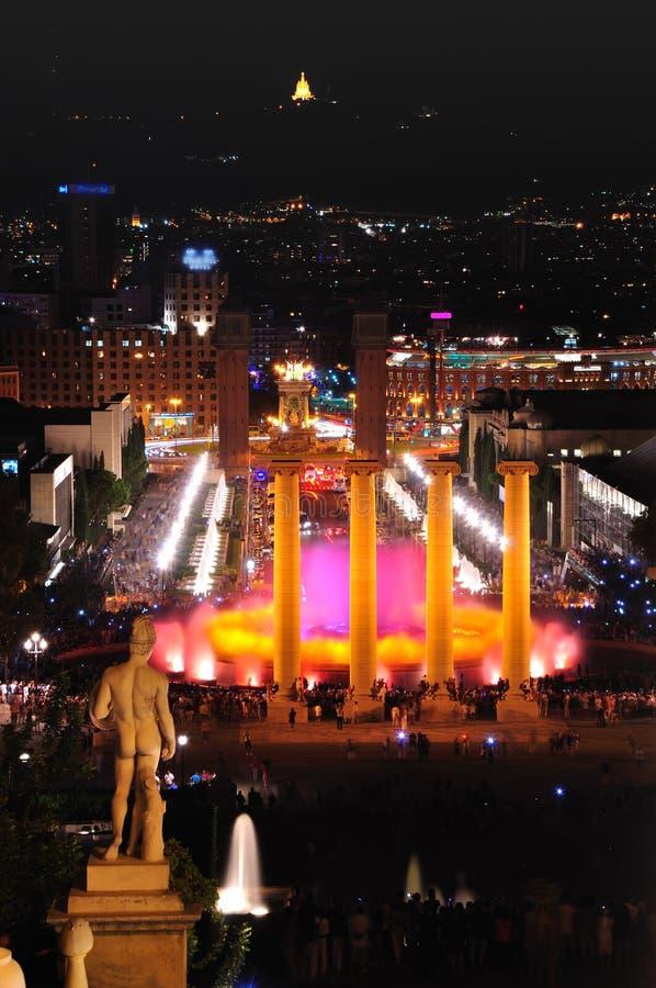 Sjungande springbrunnar. Barcelona. royaltyfria bilder