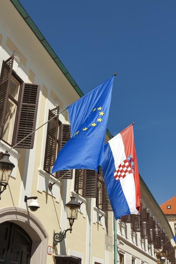 Sjunker av Europeiska union och Kroatien fotografering för bildbyråer