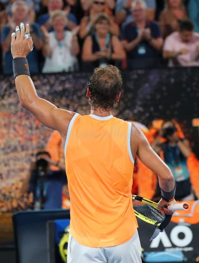 Sjutton gånger den Grand Slam som mästaren Rafael Nadal av Spanien firar seger efter hans semifinalmatch på australiska 2019, öpp royaltyfri foto