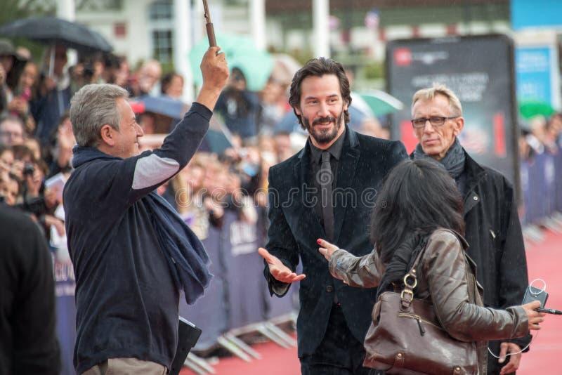 Skådespelaren Keanu Reeves deltar i knackningknackningpremiären under den 41st Deauville amerikanfilmfestivalen royaltyfri fotografi