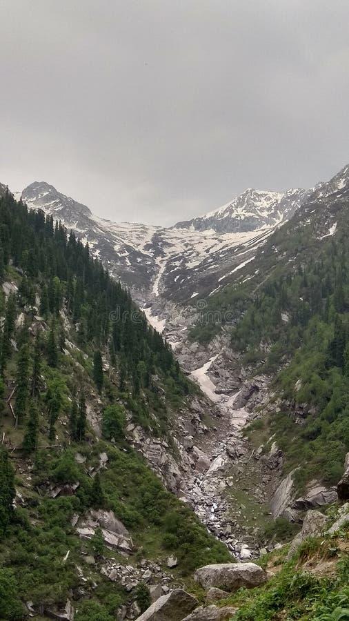 Skönhet av högt berg fotografering för bildbyråer