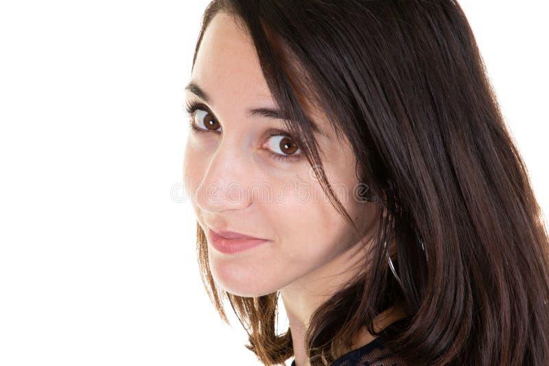 Skönhet för kvinna för closeupståendebrunett en gladlynt arkivfoton