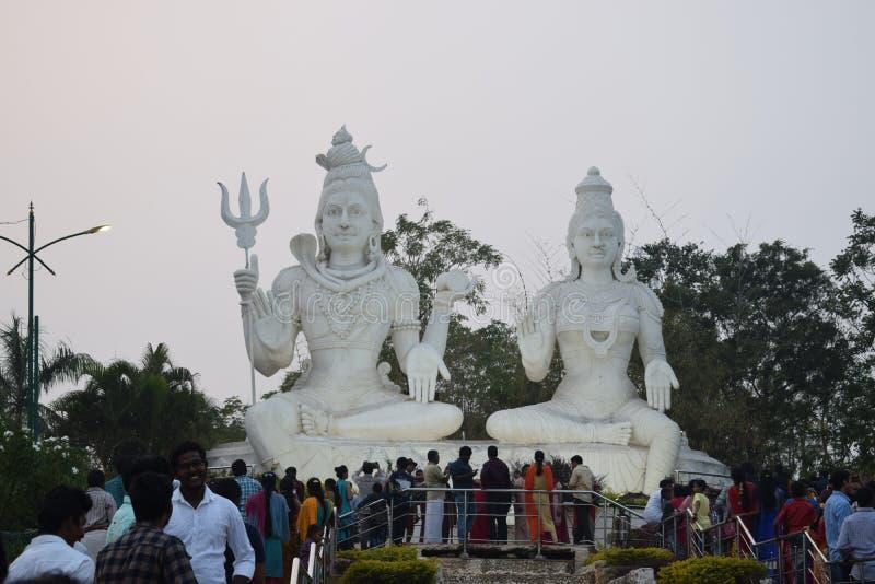 Skönhet för staty för gudSiva parvathi av vizag arkivfoton