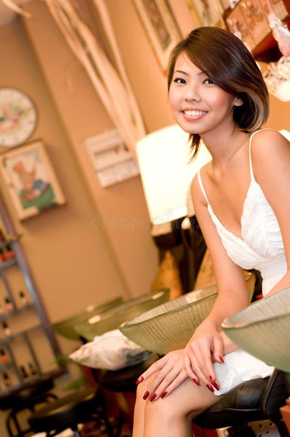 Skönhet i salong royaltyfria bilder