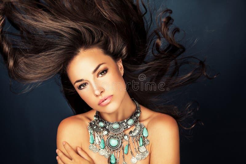 Skönhet och danar royaltyfria bilder