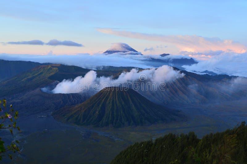 Skönheten av bromoberget indonesia arkivfoto