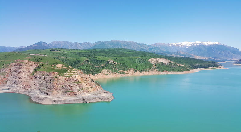 Skönheten av de Tasjkent bergen royaltyfria foton