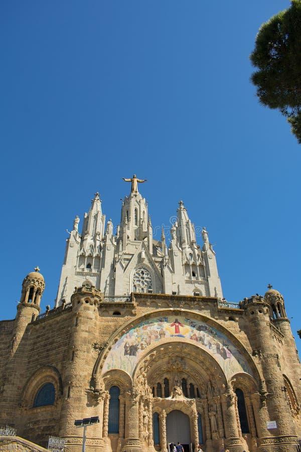 Skönheten av templet av den sakrala hjärtan i Barcelona royaltyfri bild