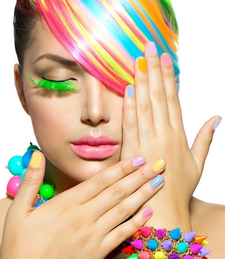 Skönhetflicka med färgrik makeup royaltyfri fotografi