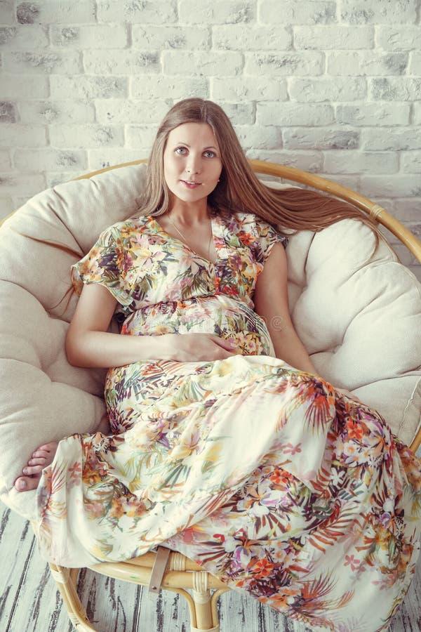 skönhetgravid kvinna arkivbild