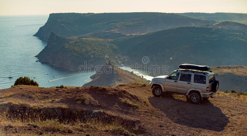 Skönhetnaturlandskap som reser på bilbegrepp arkivfoton